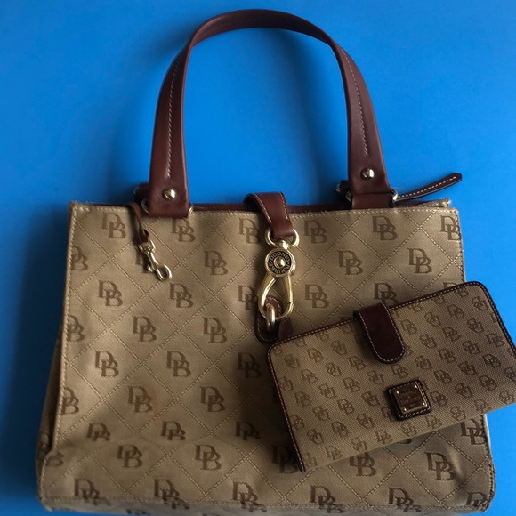 Signature Dooney & Bourke Purse and Wallet
